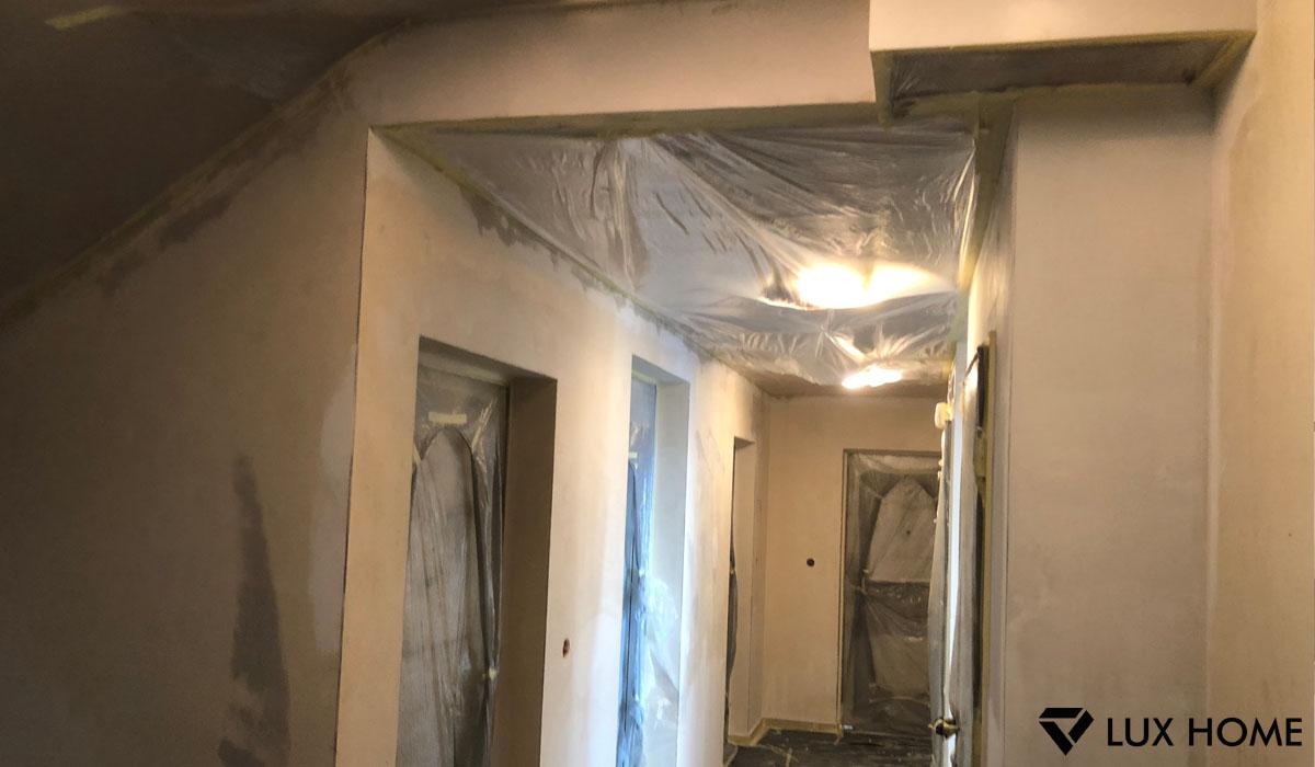 Lux Home - zabezpieczenie przed malowaniem klatki schodowej